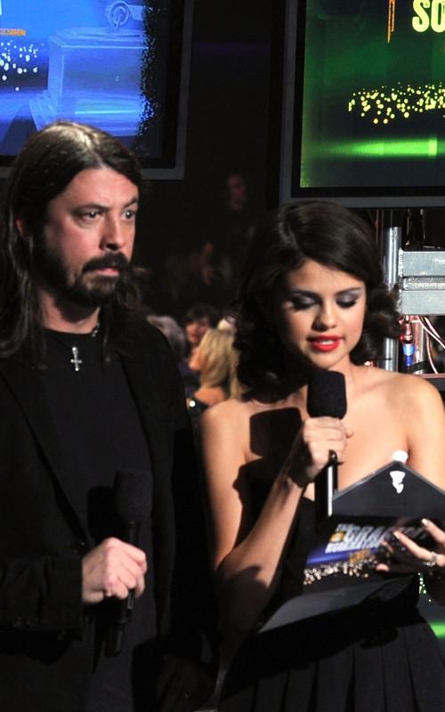 selena gomez grammys 2010. Photos: Selena Gomez