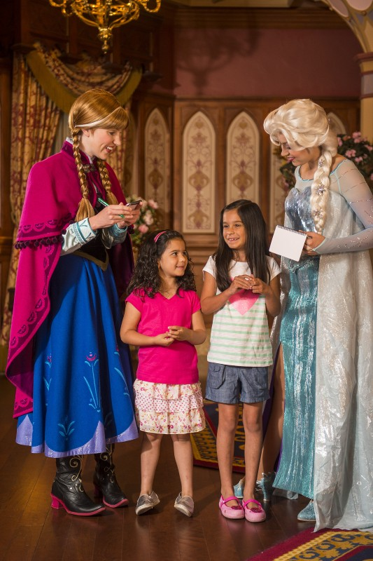 Anna and elsa frozen magic kingdom3 wdw daily news anna and elsa frozen magic kingdom3 m4hsunfo