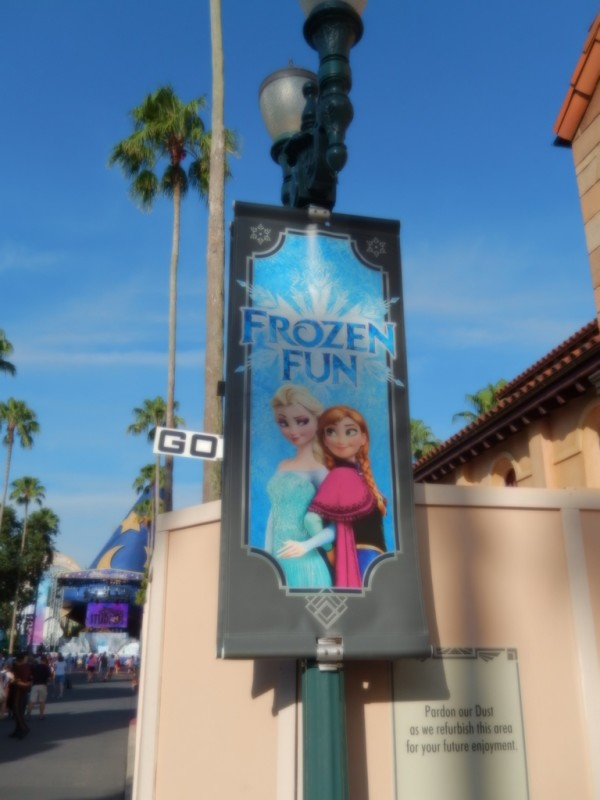 Frozen Summer Fun002