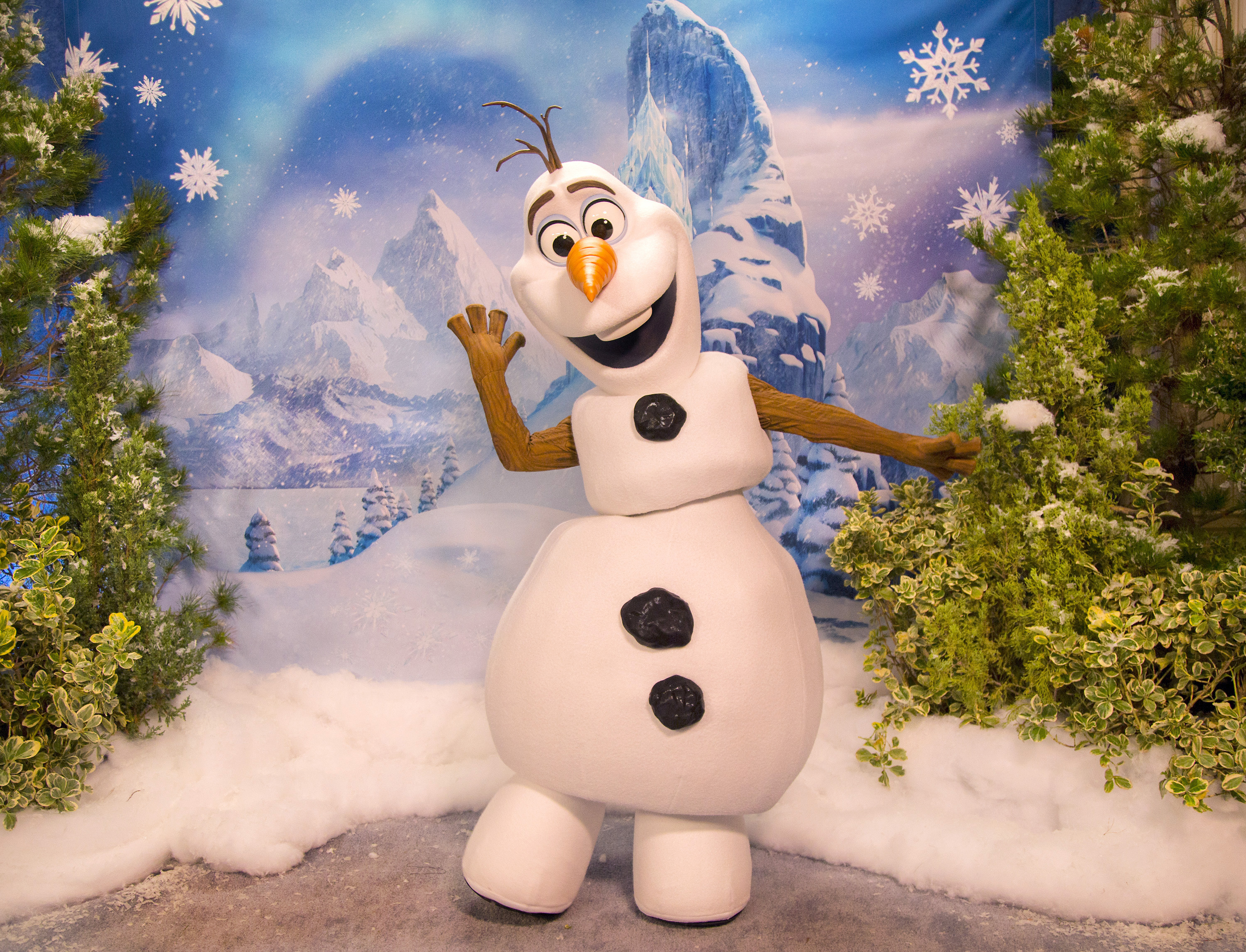 olaf-frozen-fun-disneyland | WDW Daily News