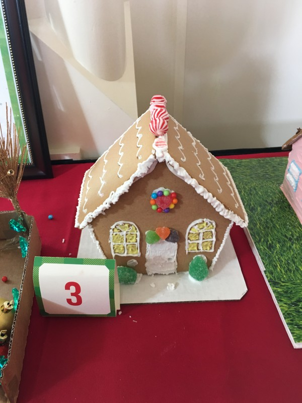WDW Christmas Boardwalk Cast Member Gingerbread Houses (4)