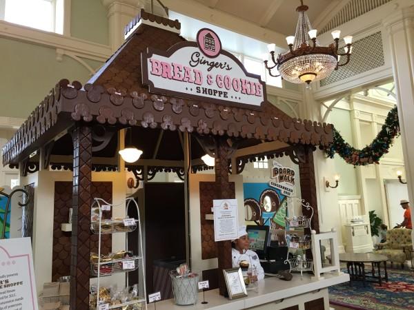 WDW Christmas Boardwalk Gingerbread Shoppe (2)