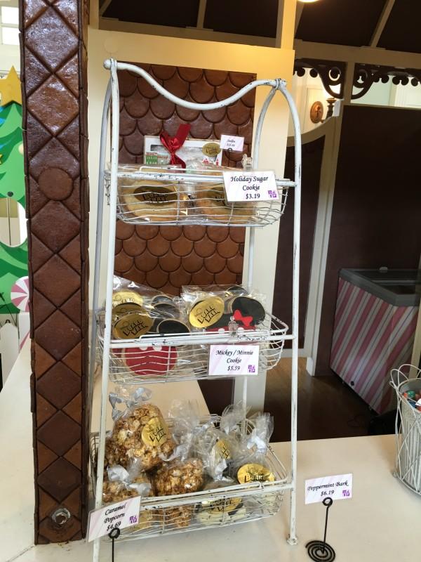WDW Christmas Boardwalk Gingerbread Shoppe (3)